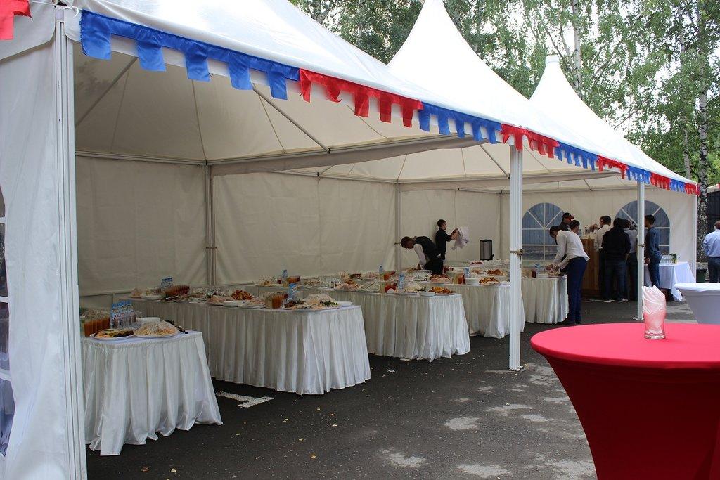 Мероприятия на открытом воздухе: Мини бургеры с пряным соусом в Обедовъ