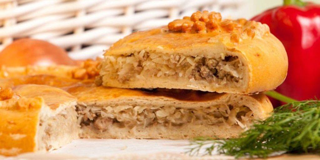 Пироги с мясом: Пирог мясной с капустой в Обедовъ