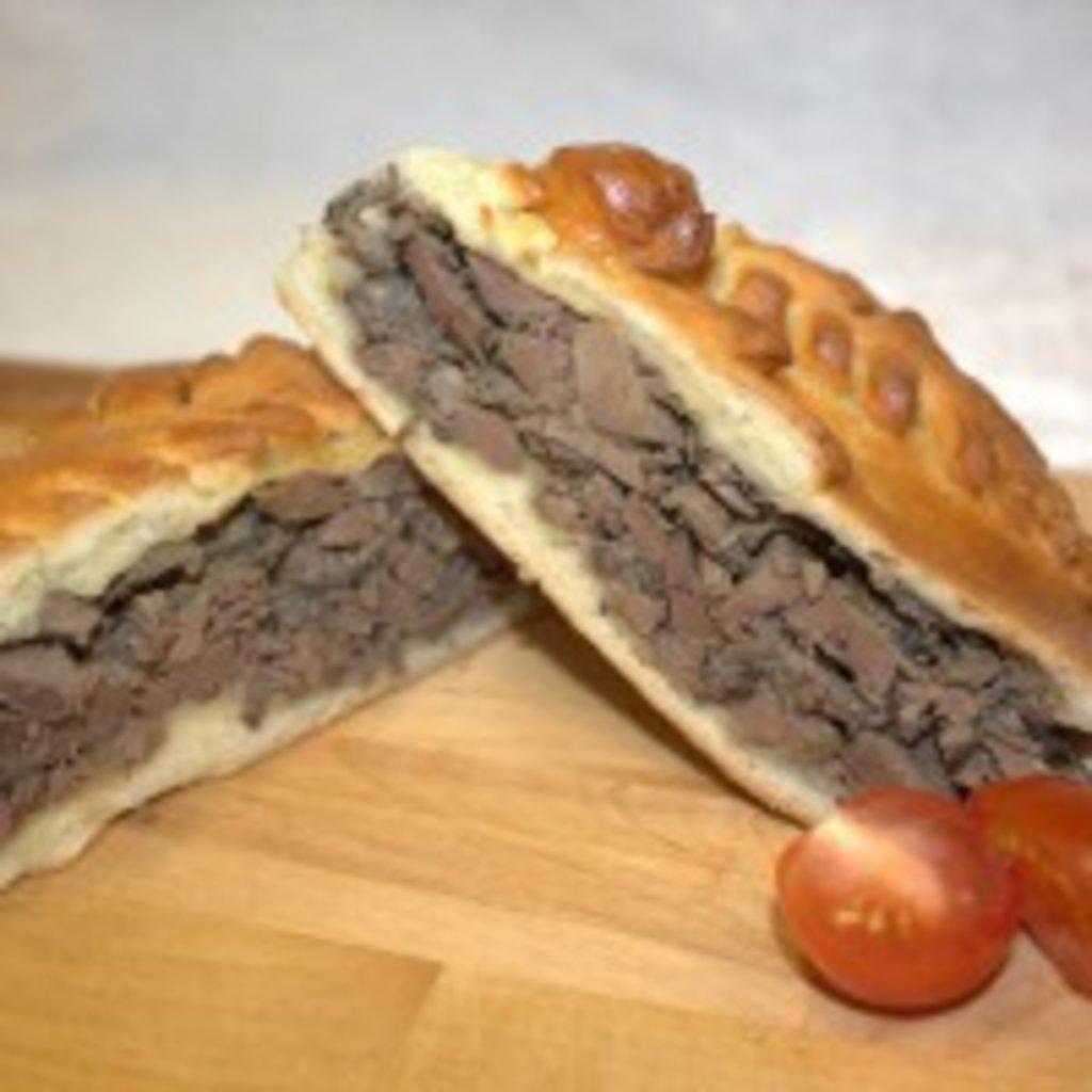 Пироги с мясом: Пирог с куриной печенью и грибами в Обедовъ