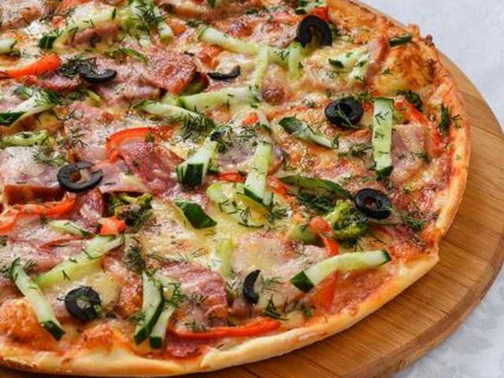 Пицца: Пицца с ветчиной и копченостями в Провиант