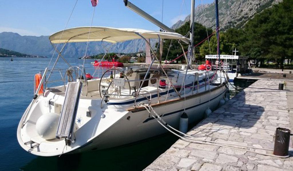 Парусно-моторная яхта Bavaria 44 в Yachtingtour