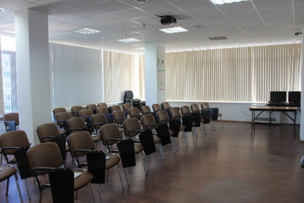 Продажа, аренда коммерческой недвижимости: Аренда конференц-зала в Интерсофт, ООО