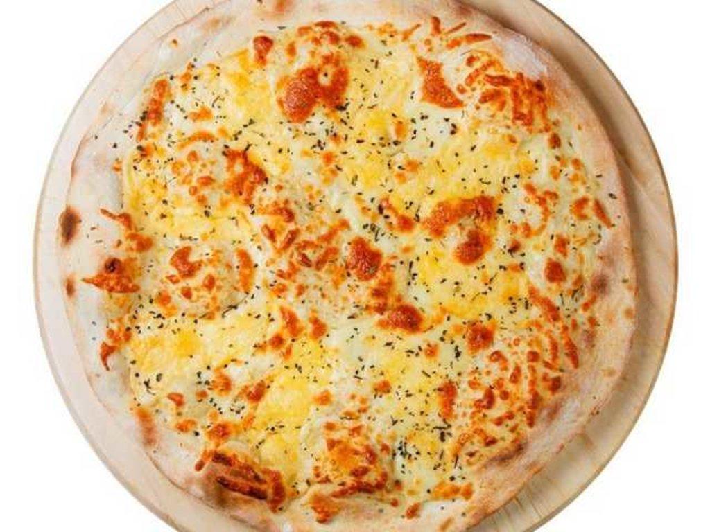 Пицца 40 см: Рассольные сыры в Balkan