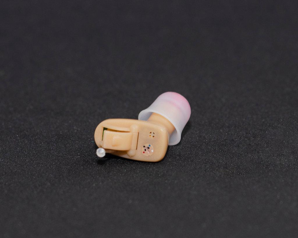 Внутриушные аппараты: Цифровой внутриушной слуховой аппарат Clear 102 L(R) в Мир слуха