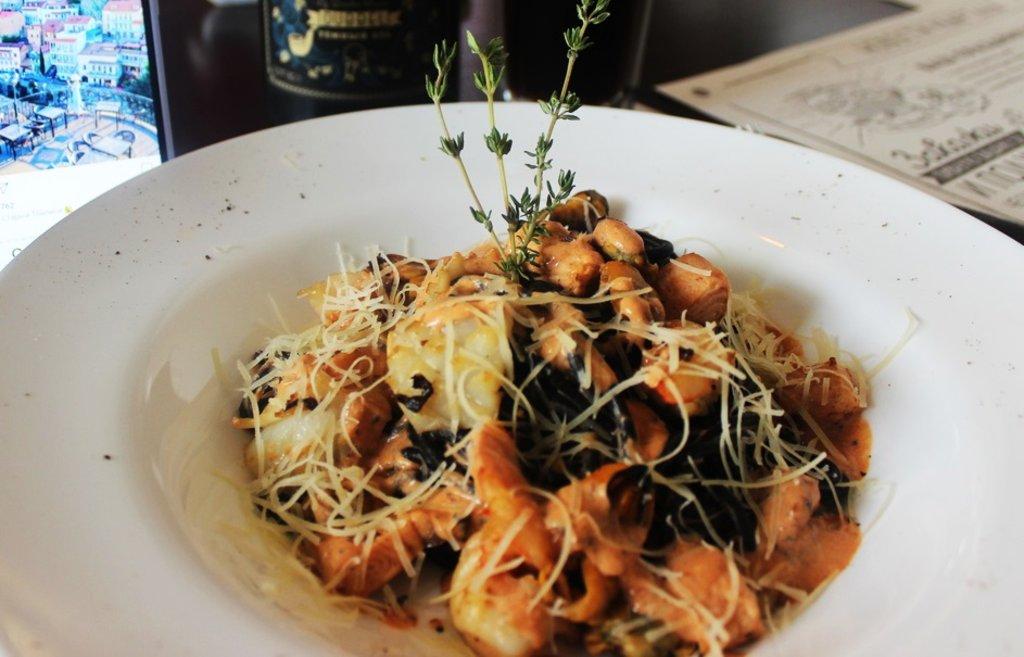 Паста: Спагетти Неро в Квартал