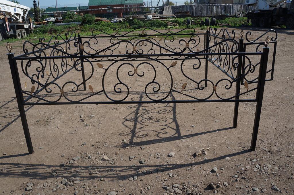 Металлические и кованные изделия: Ограда кованная в Мир Плитки /Планета Ковки