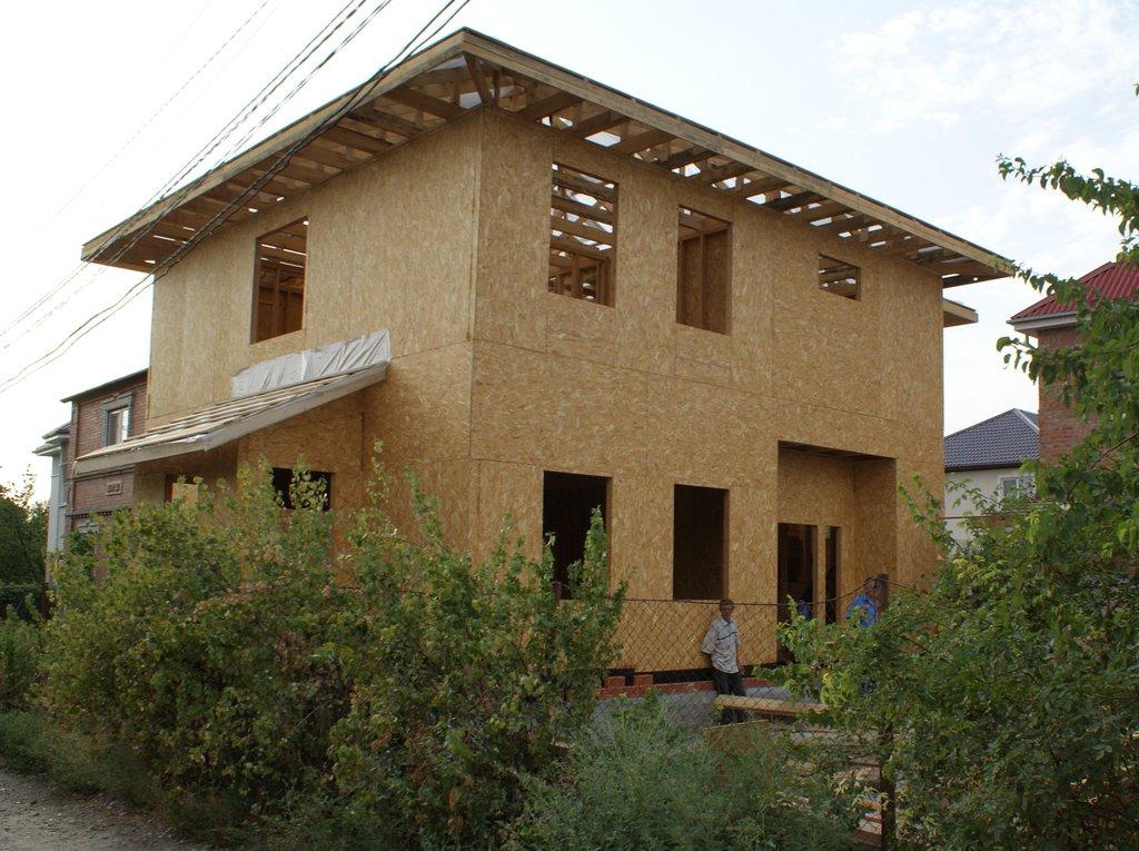 Строительство коттеджей, домов: Строительство каркасно-панельных домов в ДомКаркас