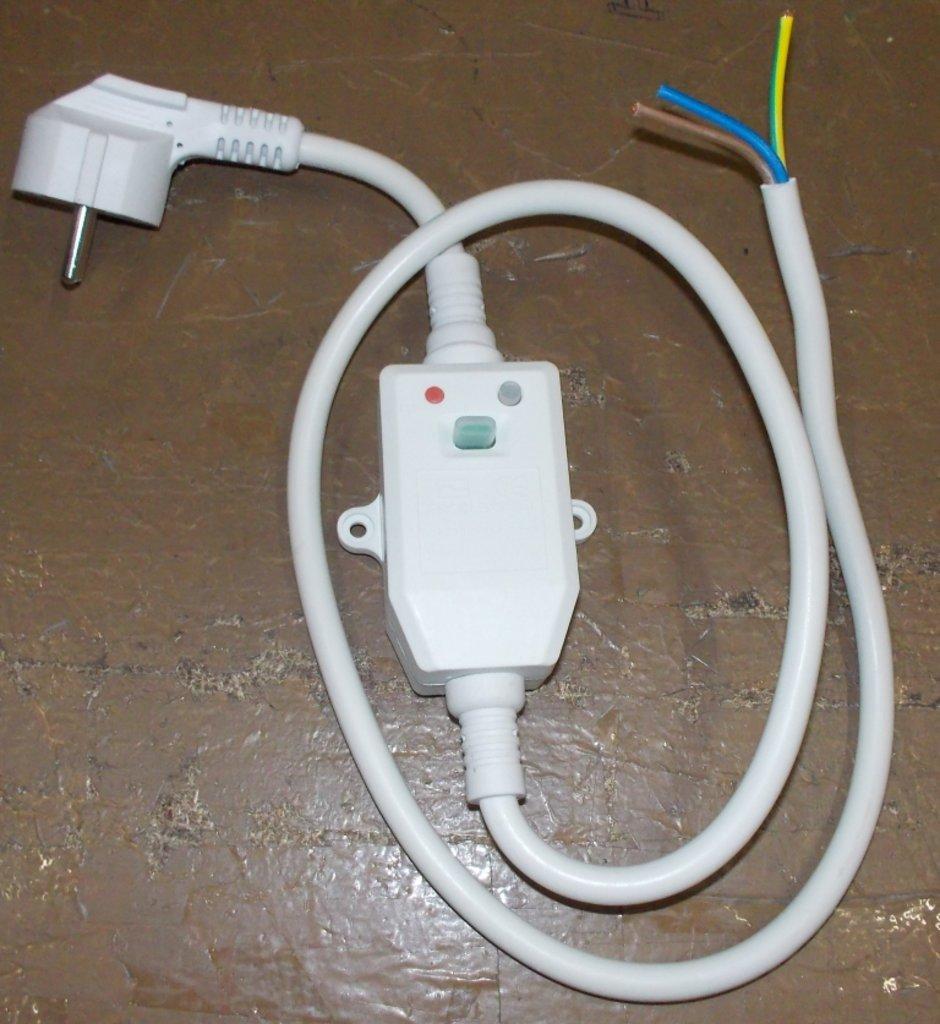 Запчасти  для водонагревателей: Кабель с устройством защитного отключения (УЗО) для водонагревателей (In=30mA, длина провода 1.1m, 16A, max 3680W) в АНС ПРОЕКТ, ООО, Сервисный центр