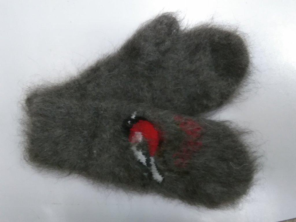 Варежки, носки, гольфы, наколенники: Варежки женские из собачьей шерсти с рисунком в Сельский магазин