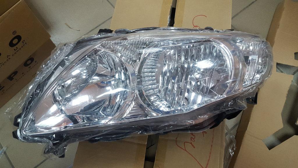 Оптика: Фара передняя левая TOYOTA Corolla 150 в VINcode