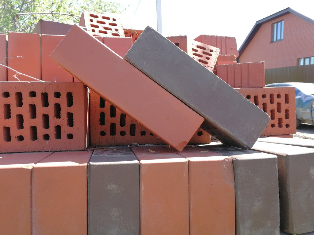 Кирпичи: Кирпич шамотный, огнеупорный, печной, огнестойкий в Самарском регионе. в Аэроплан, ООО