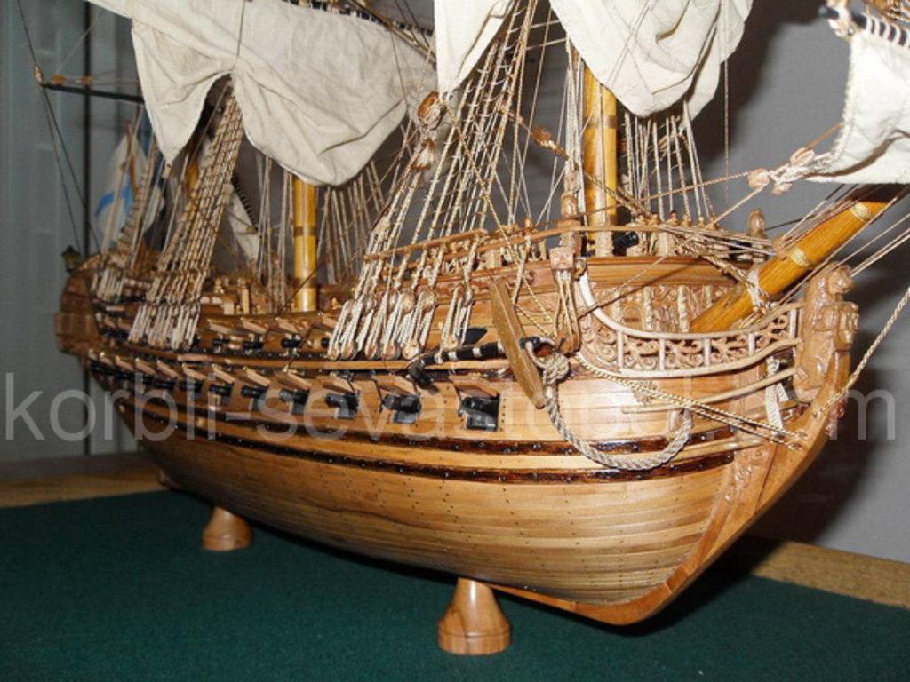 """Модели кораблей: 64-пушечный линейный корабль """"Москва"""", 1715 год в Модели кораблей"""