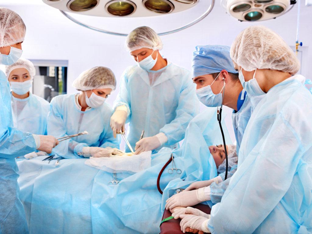 Медицинские услуги: Хирург-онколог в Добрый доктор, медицинский центр