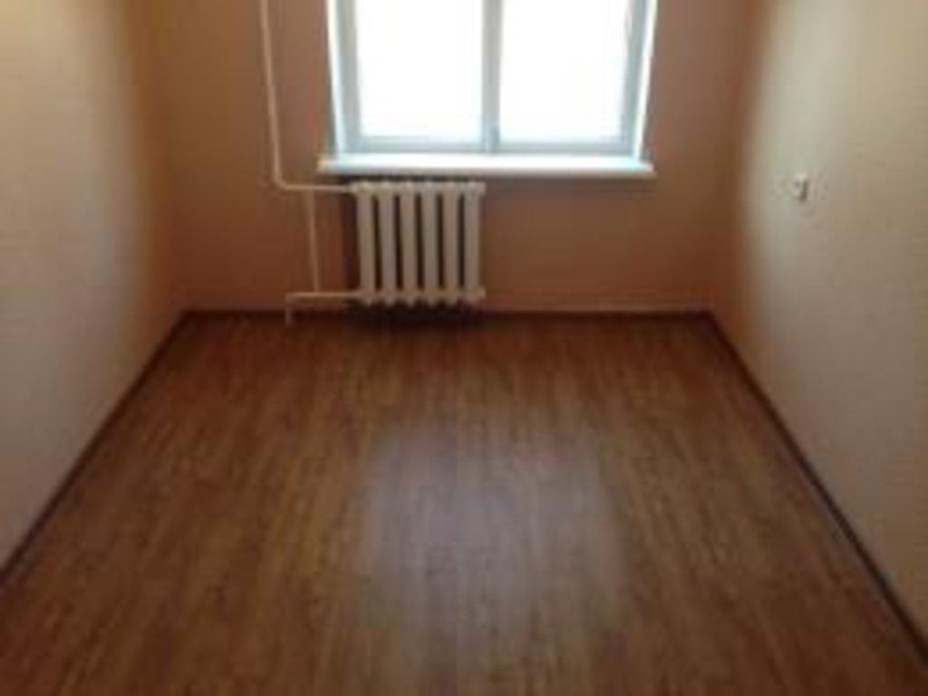 Трехкомнатные квартиры: Трехкомнатная квартира на Техническом пер., д. 48 Б в Риэлти-Сервис, агентство недвижимости