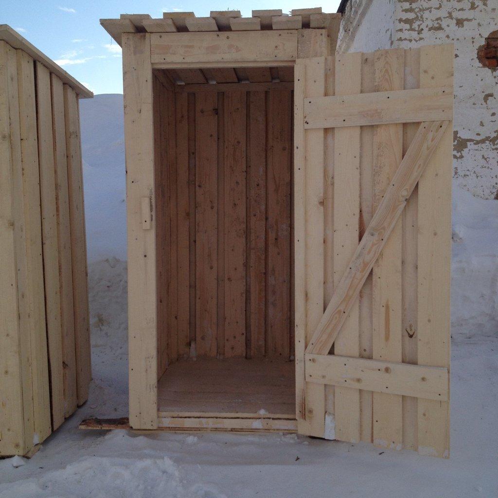 Доски деревянные: Дачный, садовый туалет в Деревообрабатывающая компания Сенчуров И.Ю.