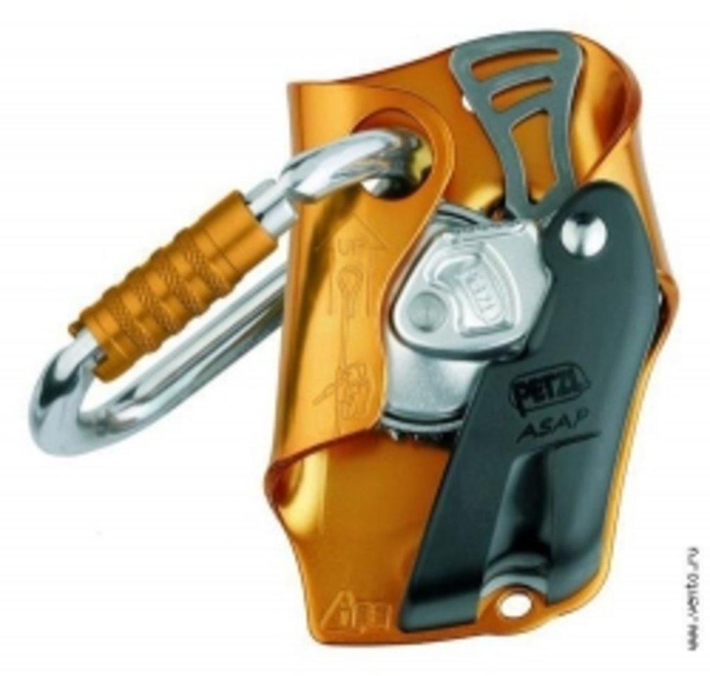 Зажимы Petzl: Страховочное устройство «Asap» с карабином «Ok Triact» в Турин