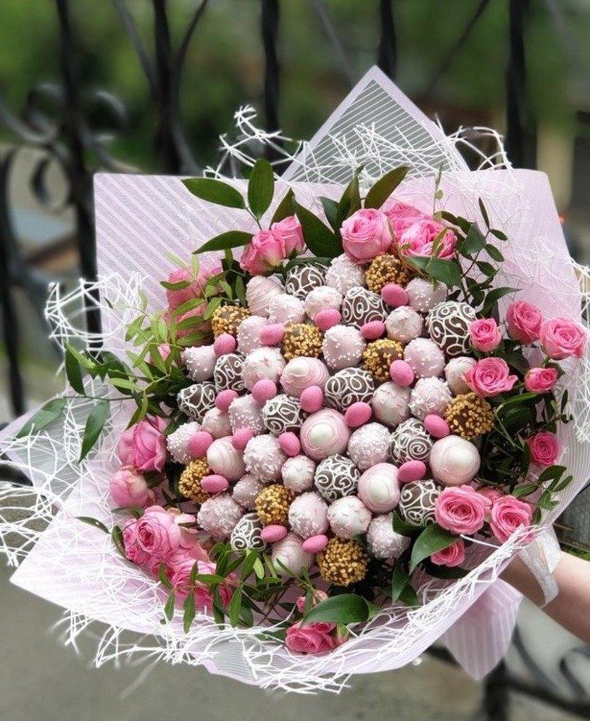 ВСЕ БУКЕТЫ: Клубника в розах 50 шт. в Fruit Art