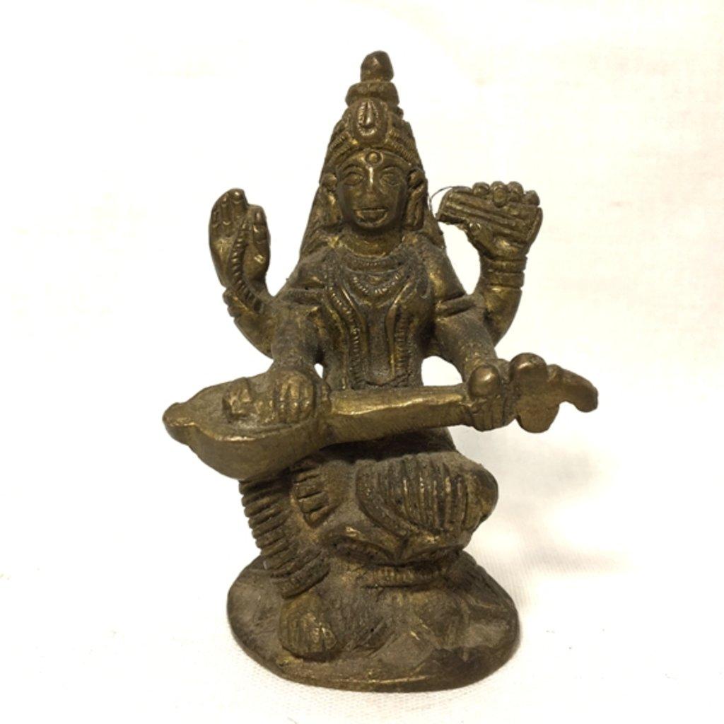 Божества и предметы культа: Богиня Сарасвати в Шамбала, индийская лавка