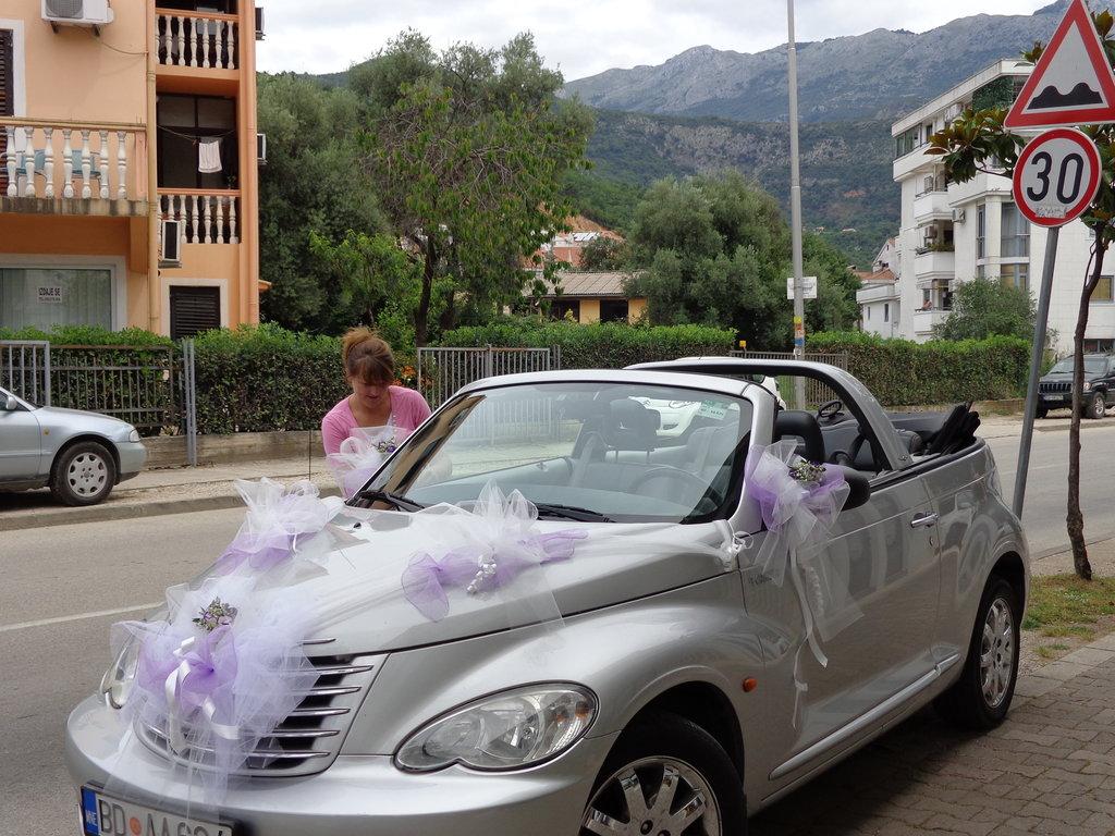 Украшения для свадебных машин: Свадебное оформление автомобиля/ Kicenije auto za vencanje в Lilies