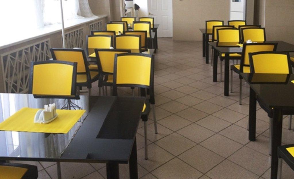 Стулья для кафе, фуд-корта: Стул ПК-4 (хром) в АРТ-МЕБЕЛЬ НН