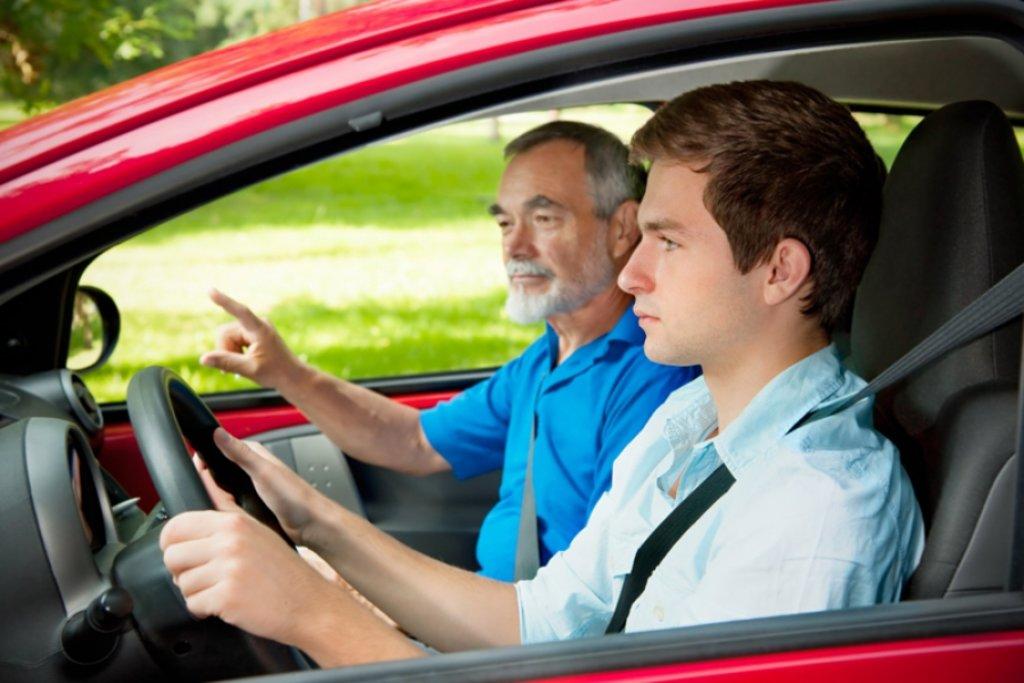 Автошкола: Восстановление навыков вождения в Лидер, автошкола