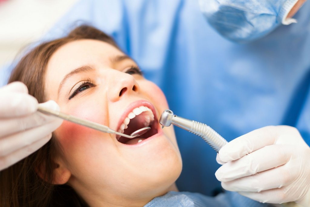 Стоматологические услуги: Лечение альвеолита в Dental Design (Дентал Дизайн), стоматологическая клиника