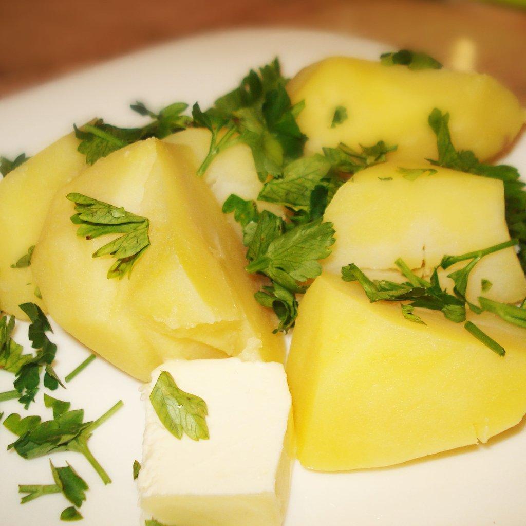 Гарниры: Вареный картофель. Доставка на дом. в Zlatibor