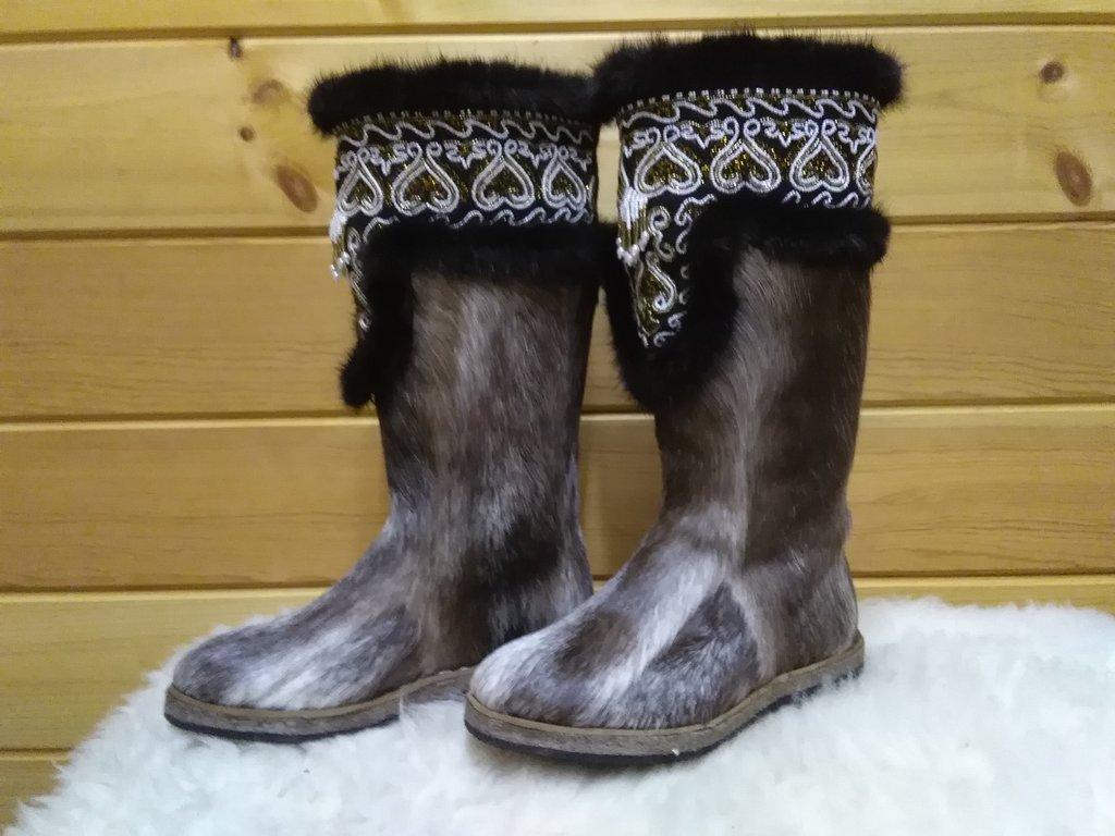 Унты, сапоги женские: Унты женские из камуса Северного оленя вышивка из бисера с норкой в Сельский магазин