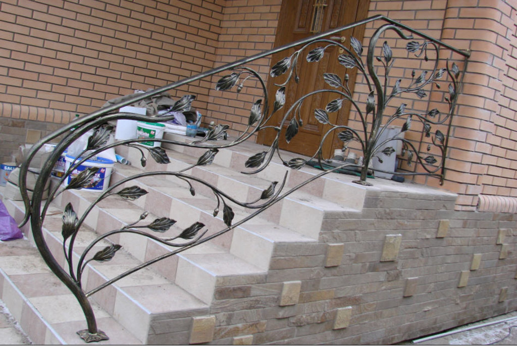 Металлические и кованные изделия: Перила в Мир Плитки /Планета Ковки