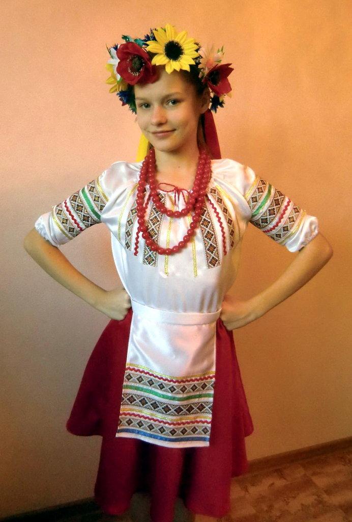 Карнавальные костюмы детские: Украинка в Виражи праздников
