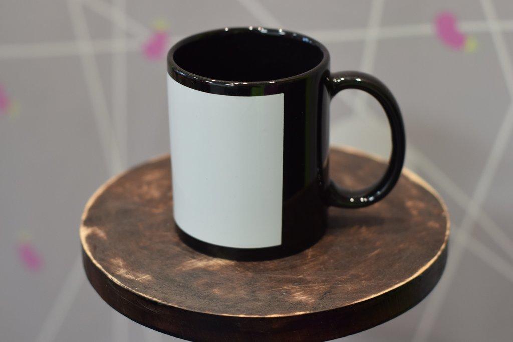 Чашки и кружки: Кружка цветная с белым полем для печати в Баклажан, студия вышивки и дизайна