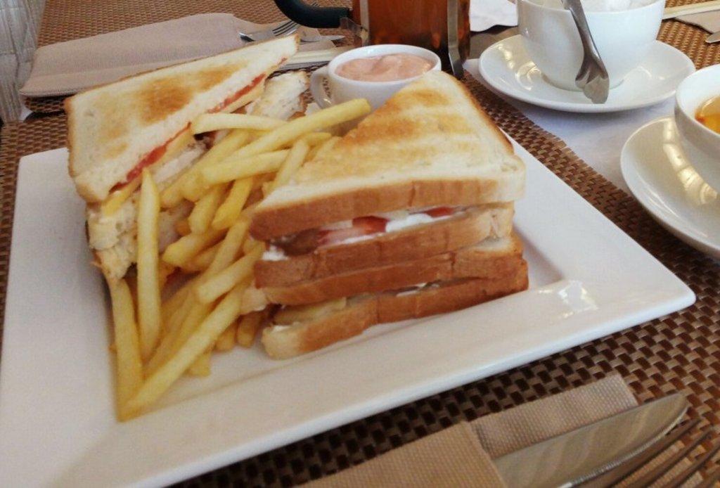 Сэндвичи: Сэндвич нашего квартала в Квартал