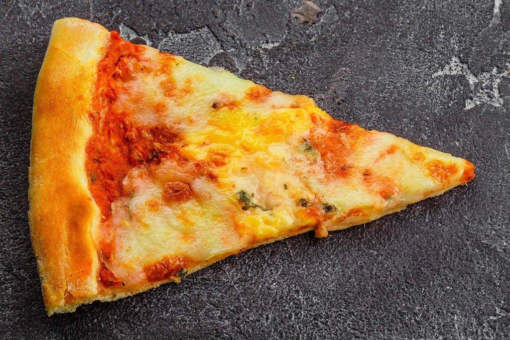 Пицца: Пицца Четыре сыра в Tokio