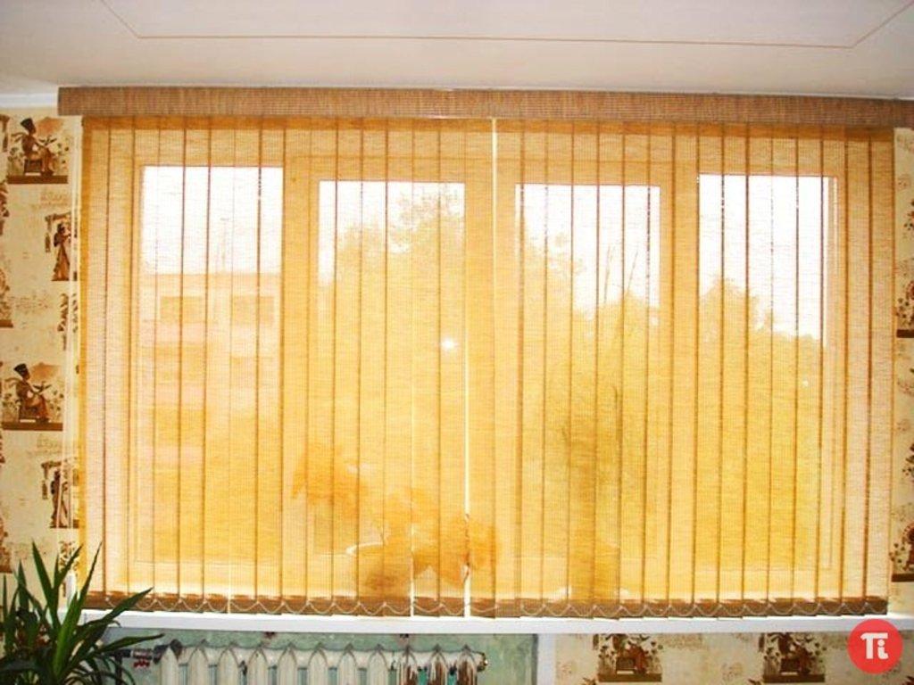 Жалюзи для окон и дверей: Вертикальные жалюзи на 3-х створчатое окно в Ventana
