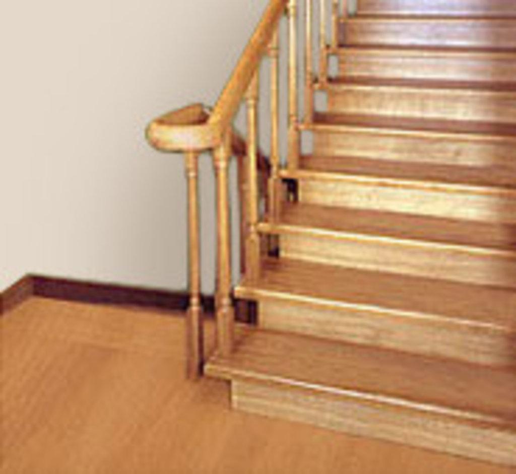 Лестницы: Лестница деревянная бук в Строитель, магазин в 23 микрорайоне