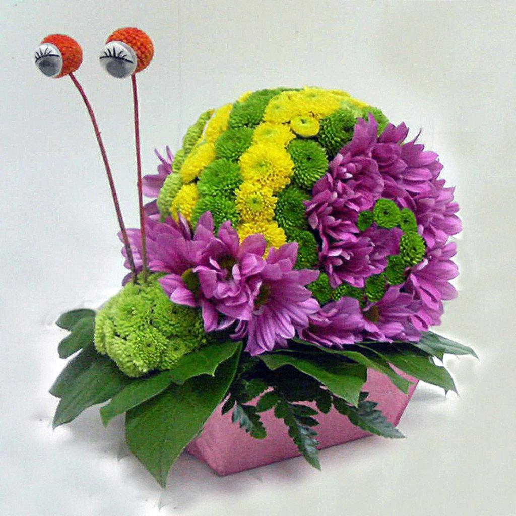 Необычные цветочные композиции из живых цветов своими руками 12