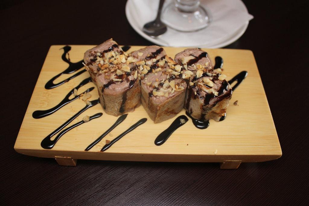 Десерты: Сладкий ролл Шоко в Квартал