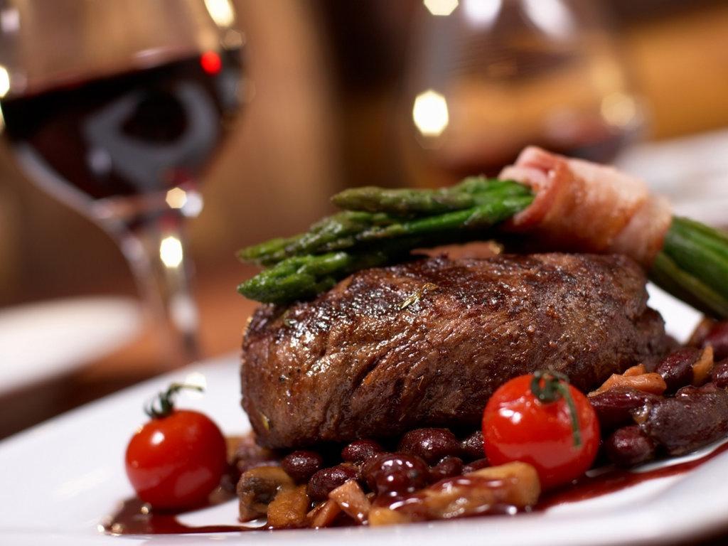 Ресторан: Горячие блюда в Огни Сухоны, развлекательный центр