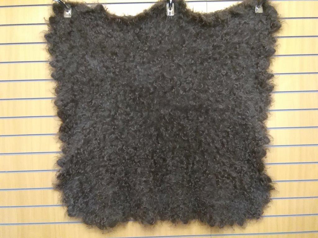 Манишки, шали, шарфы, платки, палантины: Шаль темная из 100% пуха козы (130х130 см) в Сельский магазин