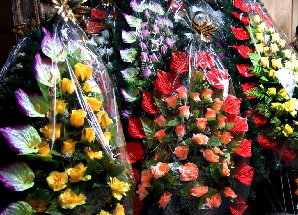 Ритуальные товары, общее: Венки ритуальные в Ангел-СВК, ритуальная фирма