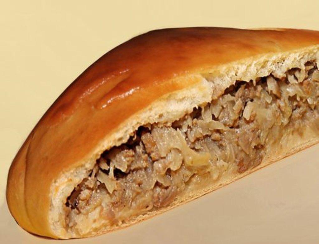 Пироги с мясом: Пирог с рубленной говядиной и капустой в Обедовъ