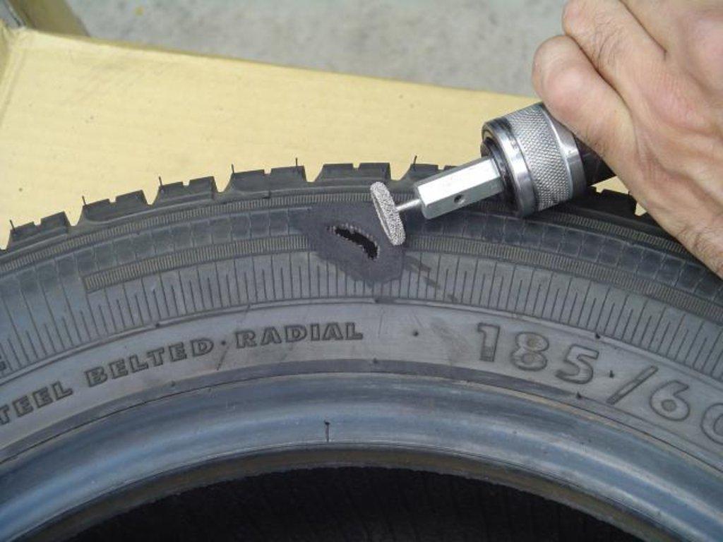 Автосервис: ремонт боковых порезов шин в Автосервис Help Auto