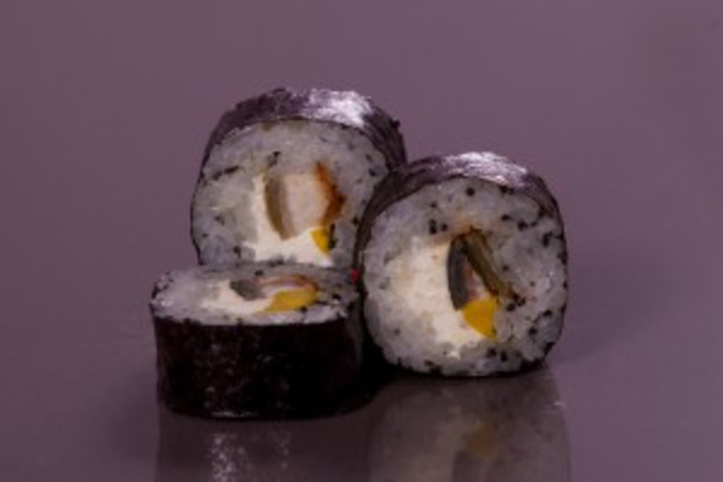 Роллы: Унаги футомаки в Sushin