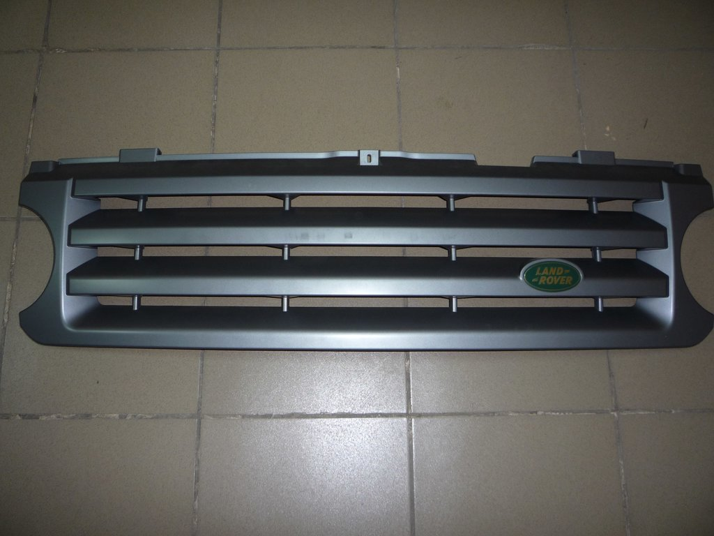Кузовные детали: Решетка радиатора на Range Rover III с 2005 - 2010 в VINcode