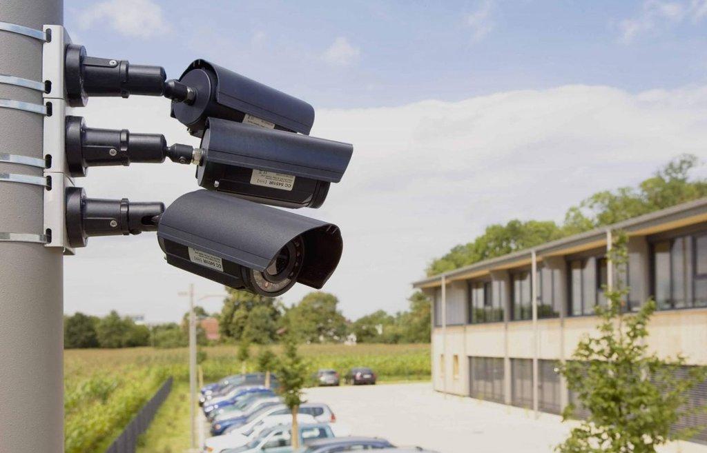 Монтаж, проектирование, обслуживание систем безопасности и видеонаблюдения: Уличные камеры в SECURITY MARKET, ООО Вологда Монтаж Сигнал