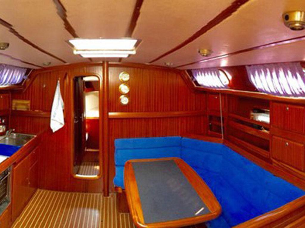 Парусная яхта Bavaria 42 в Yachtingtour