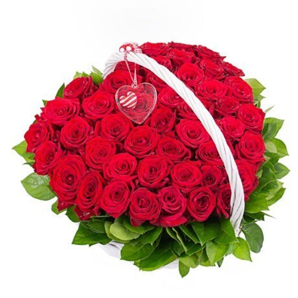 """Букеты и композиции из живых цветов: Корзина """"Я влюблен"""" в Цветы доставка"""
