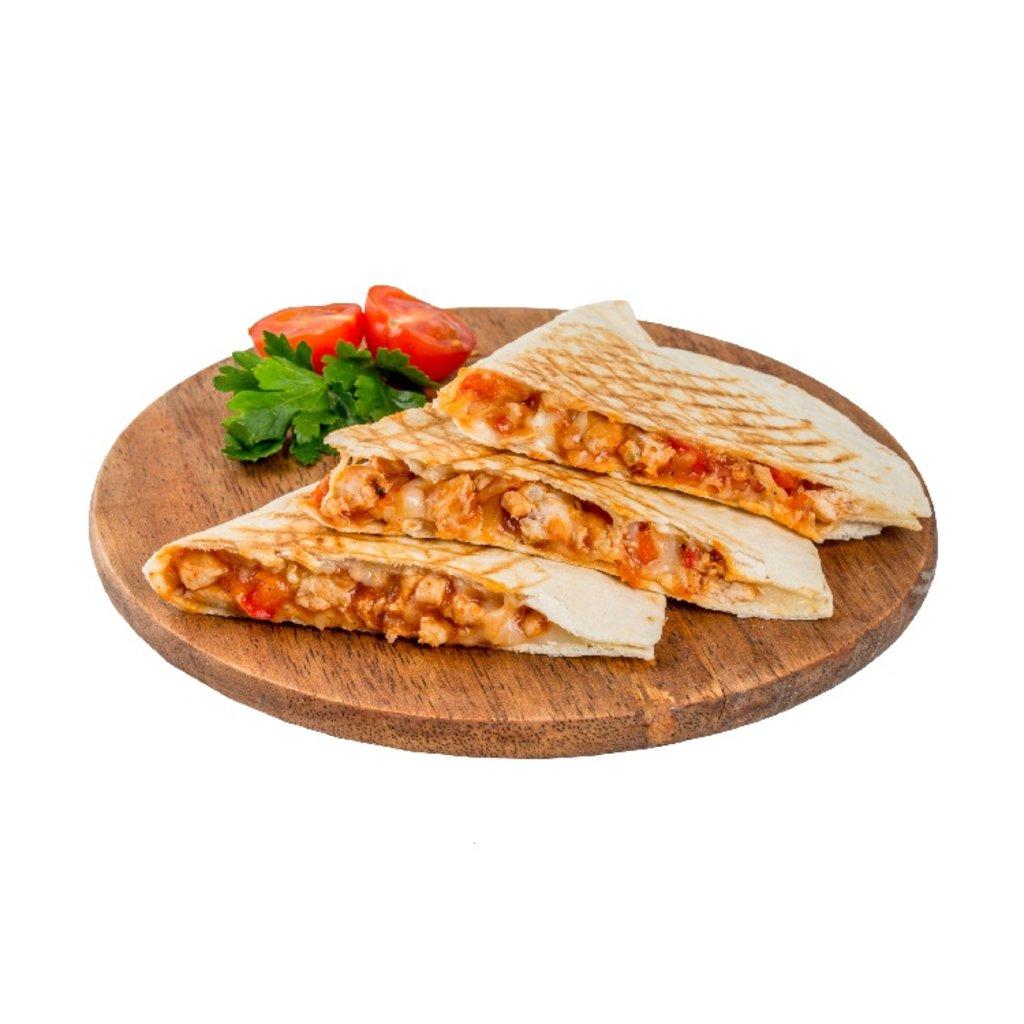 Кесадия: Кесадия с курицей и овощами в кисло-сладком соусе в Гриль №1 Новокузнецк