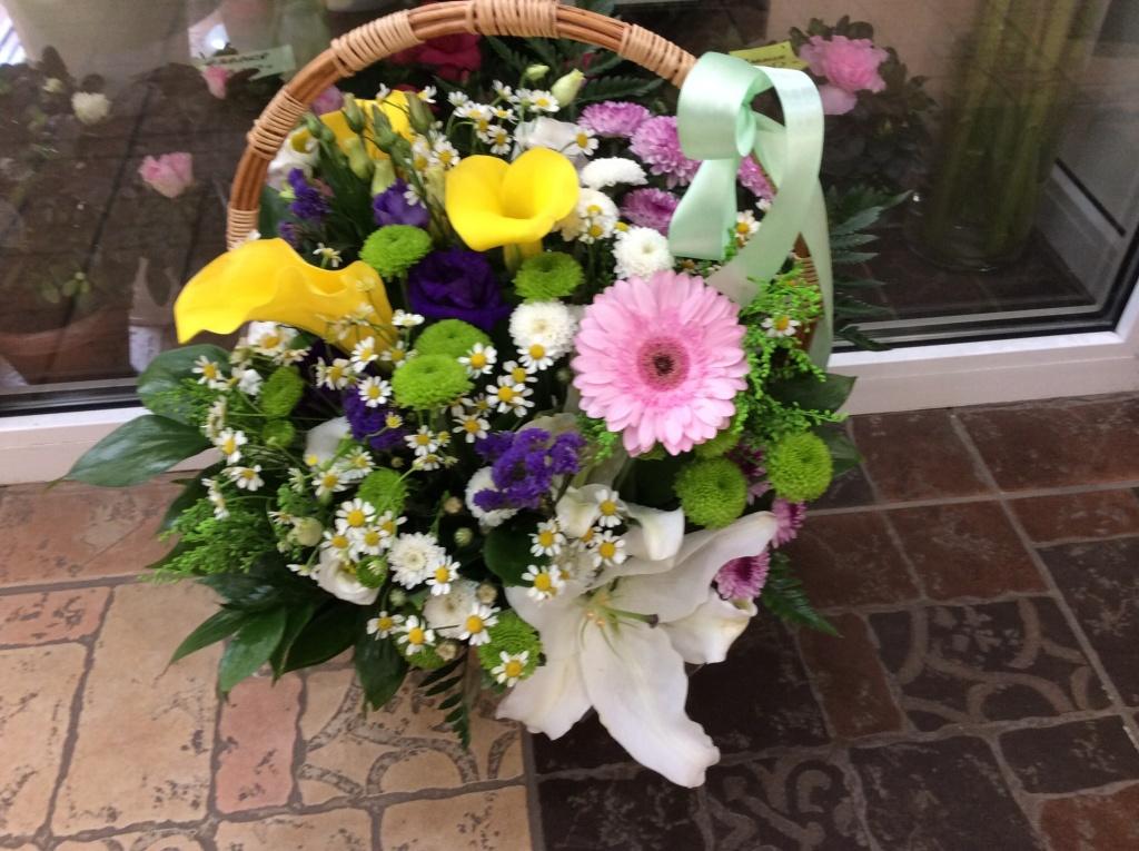 Свадебные букеты и бутоньерки: Красивые букеты в Салон цветов