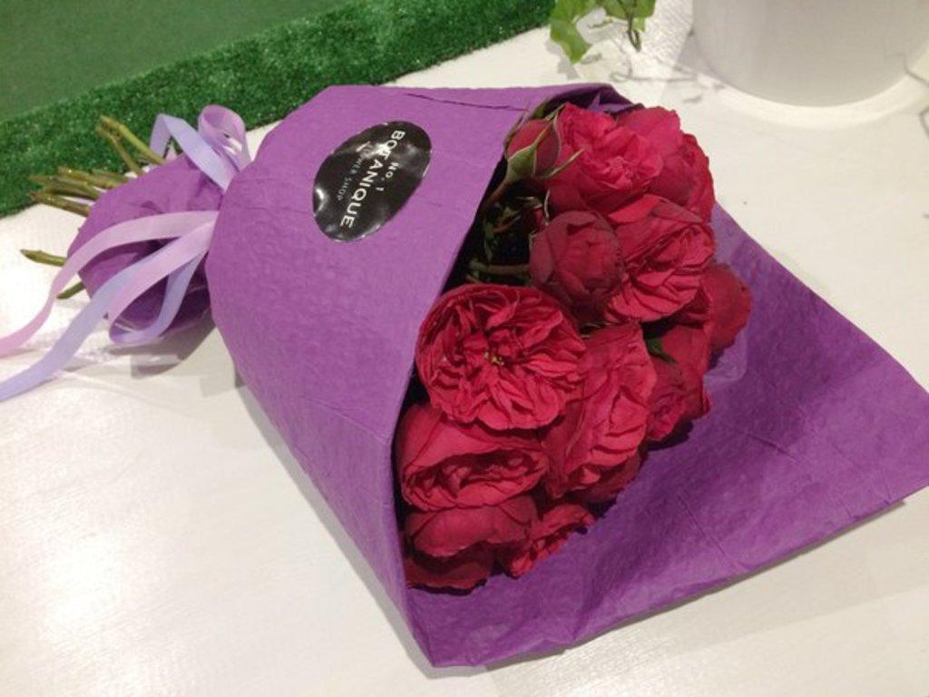 """Кулек крафт: """"Кулек крафт"""" розы Пьяно (19 штук) в Botanique №1,ЭКСКЛЮЗИВНЫЕ БУКЕТЫ"""